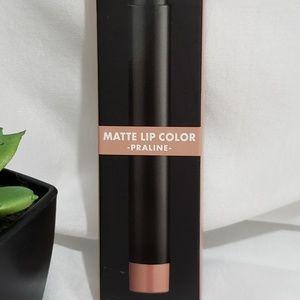 E.l.f. Matte Lip Color Praline